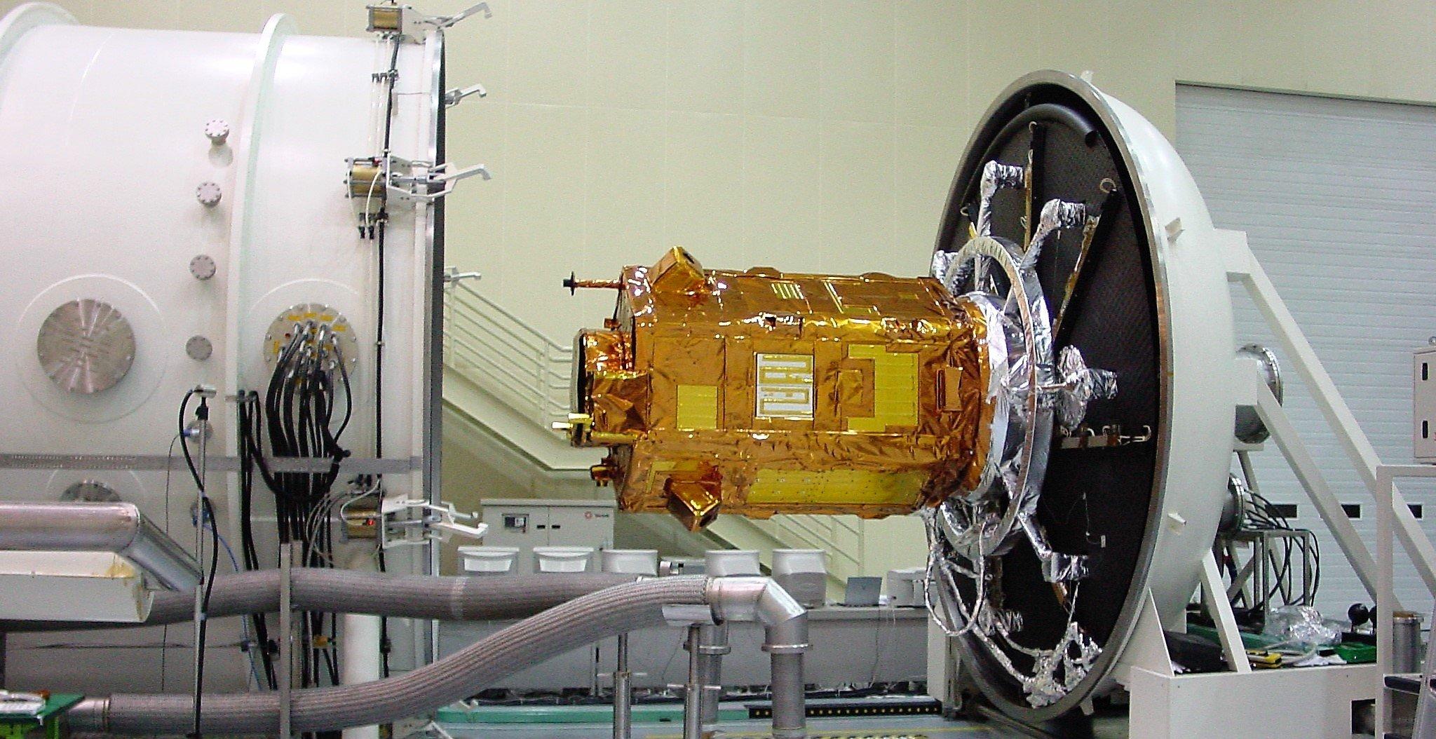 Simulatore_spaziale_prove_satelliti2